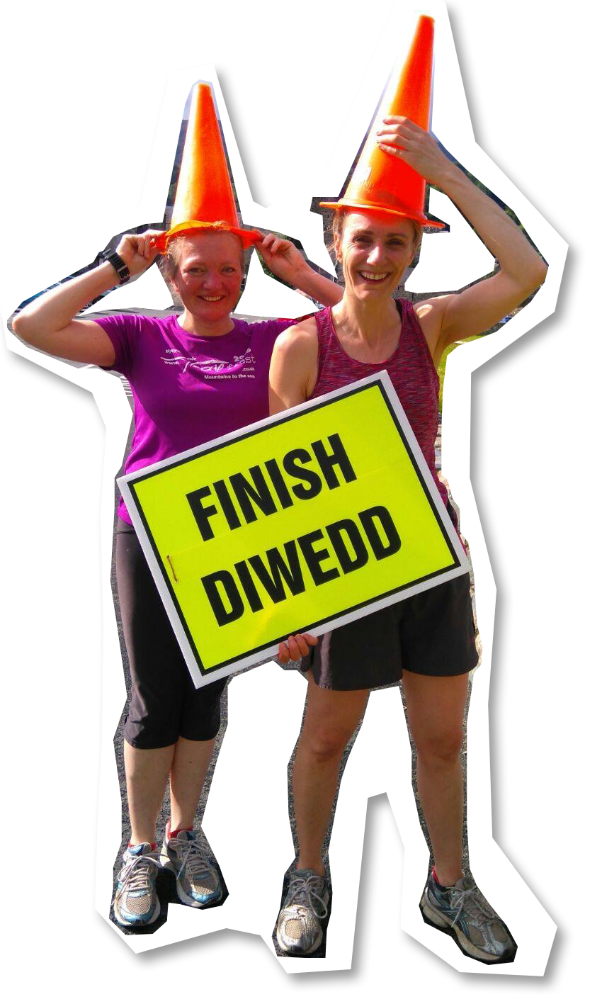 Nicola and Andrea finishing the Parkrun!