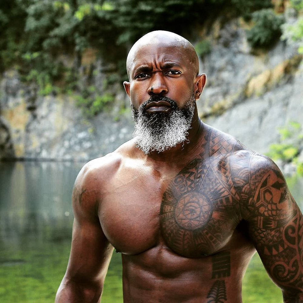 METRO - Meet this ripped grandpa who's more fit than you'll ever be.