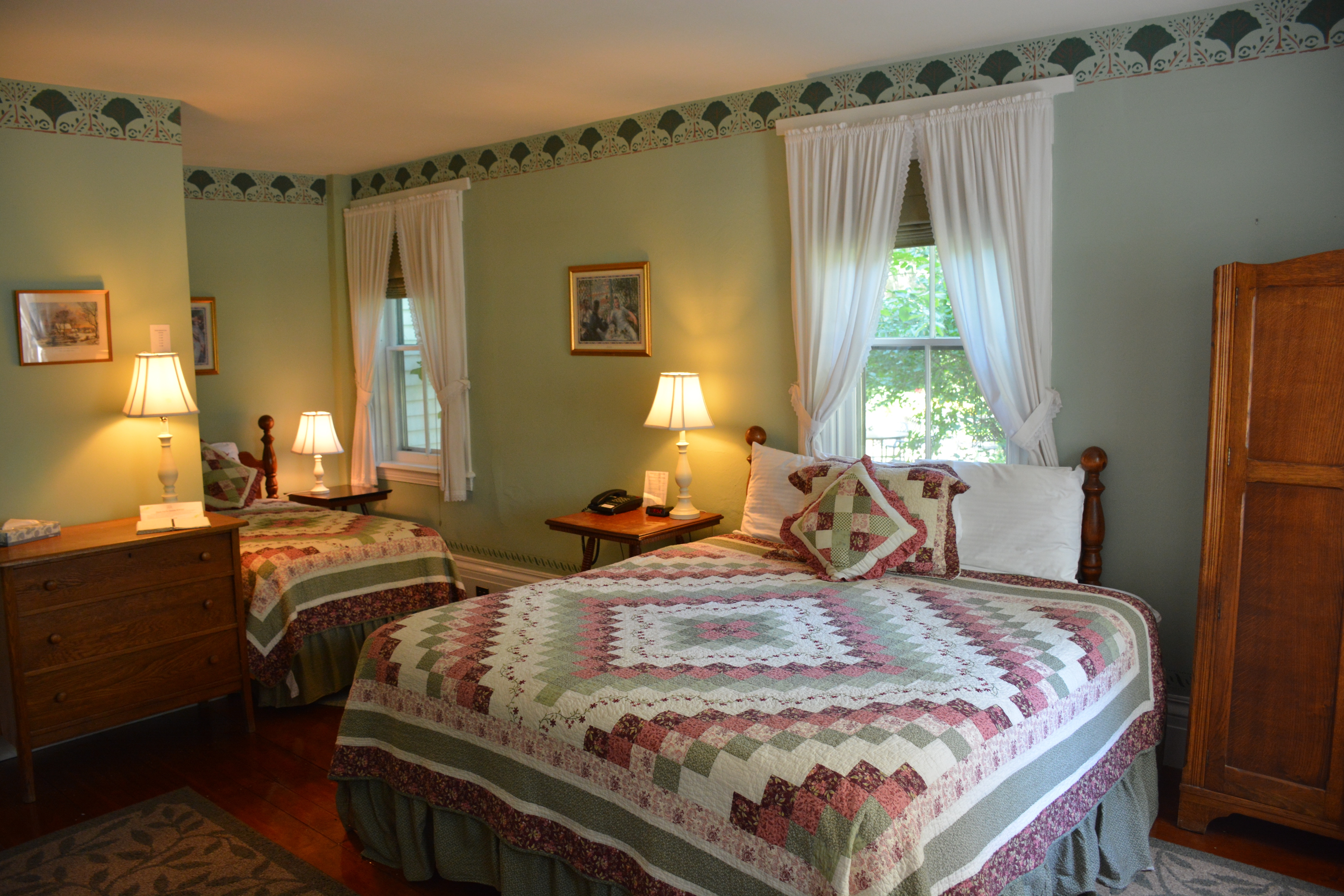 Shelburne Room at the Dowds' Country Inn