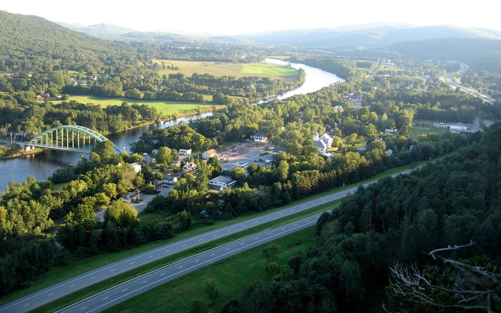 View from the Pallasades. Image from UpperValleyNHVT.com.