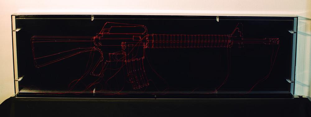 LINEAMIENTOS(M16 LINE) _ hilo rojo sobre acrilico_ 101 x 31 x 5 cm_2015.jpg