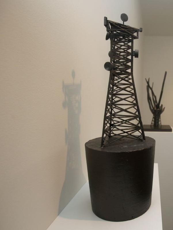 Arbor (2014) - 50 x 10 x 10 cm - Impresión 3D,  plástico ABS y PLA, cemento y grafito / 3D print, ABS and PLA plastic, graphite and cement