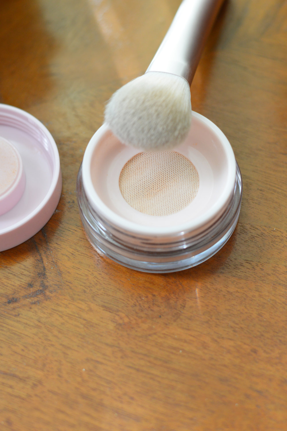 wowder and brush duo glossier