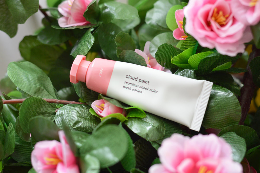 cloud paint in shade puff by glossier review