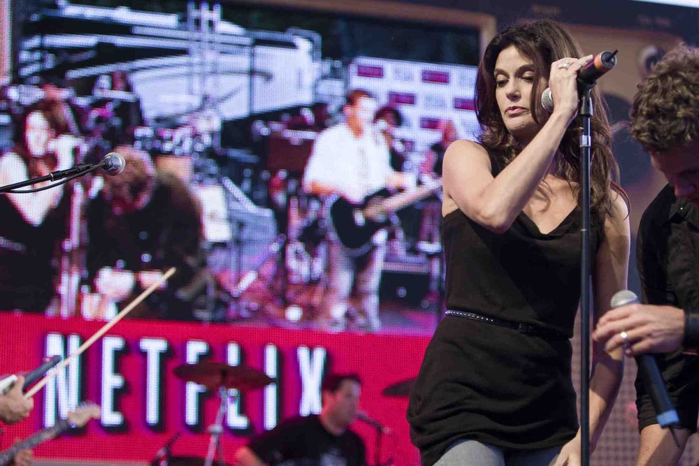 NETFLIX BAND FROM TV 05.jpg