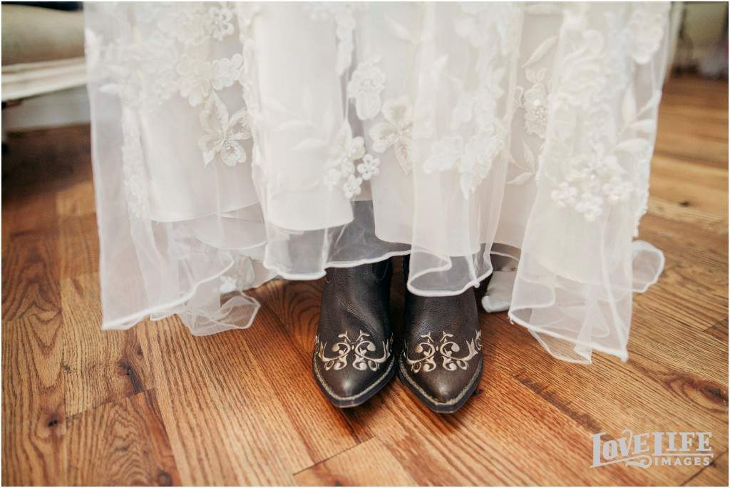 Bluemont Vineyard wedding_0005