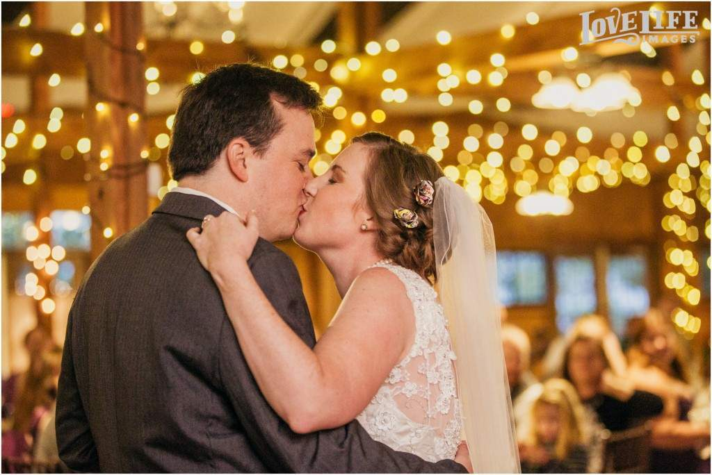Bluemont Vineyard wedding_0019