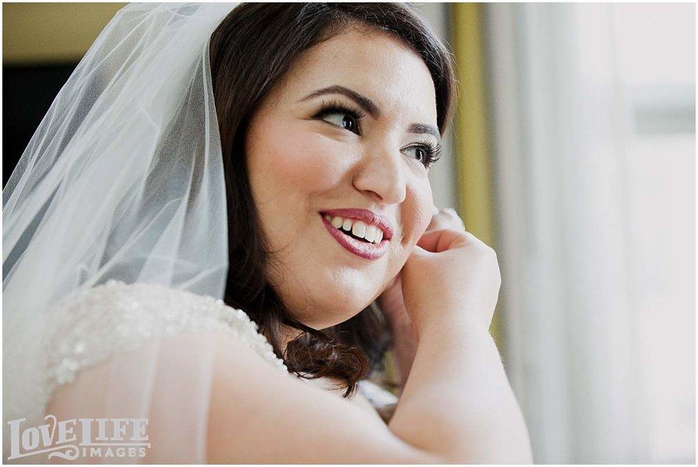 hotel-monaco-dc-wedding-photographer_0010