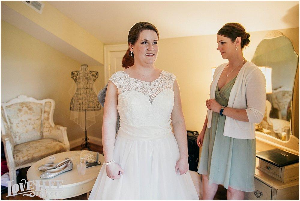 Bluemont Vineyard Wedding_0003.jpg