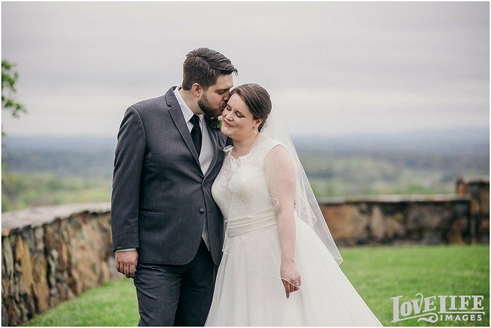 Bluemont Vineyard Wedding_0009.jpg