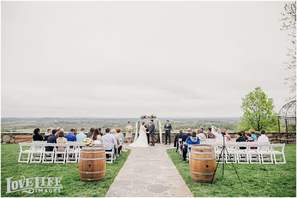 Bluemont Vineyard Wedding_0021.jpg