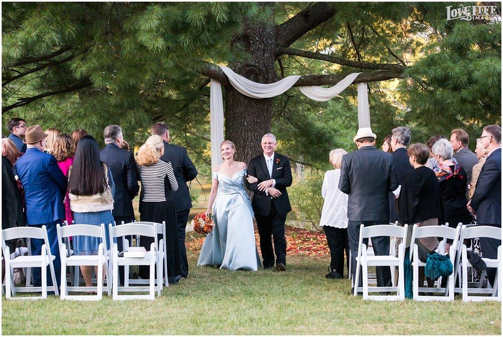 Airlie Estate Wedding_0017.jpg