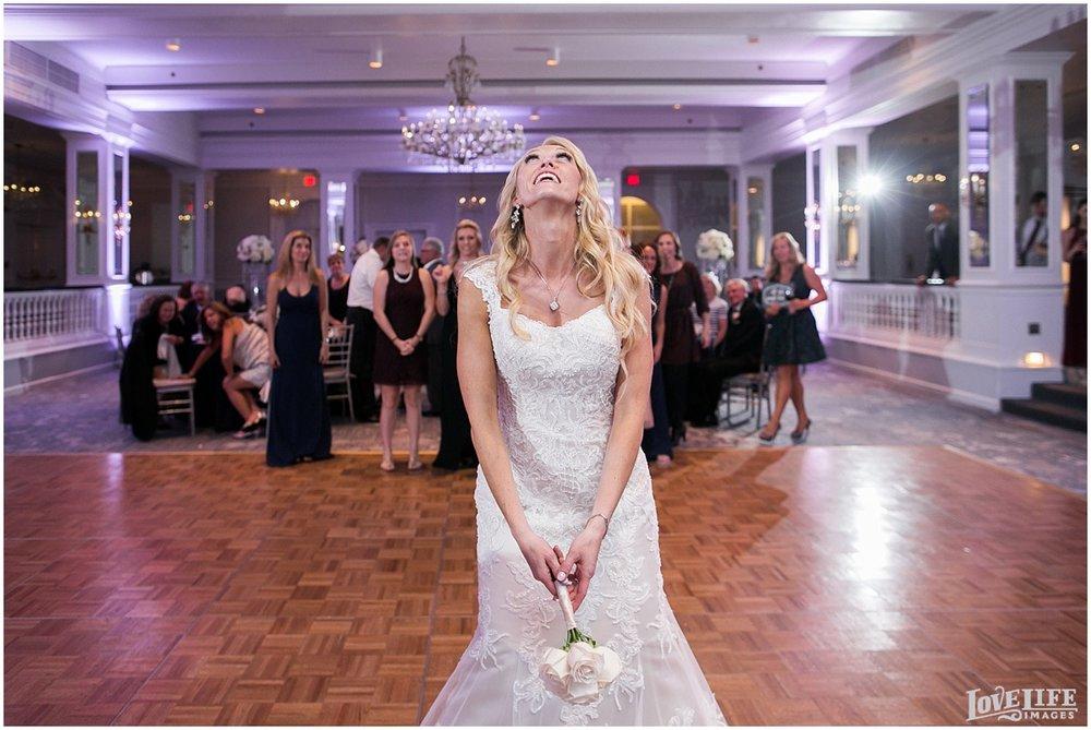 Mayflower Hotel DC Wedding bouquet toss.jpg