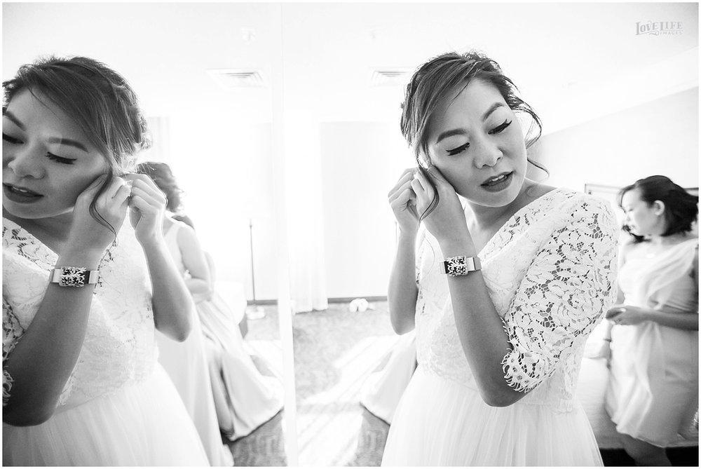 National Aquarium Baltimore Wedding bride getting ready.JPG