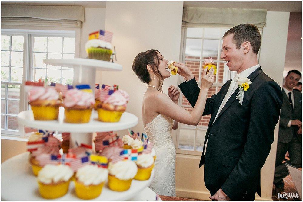 lorien hotel wedding cupcakes.JPG