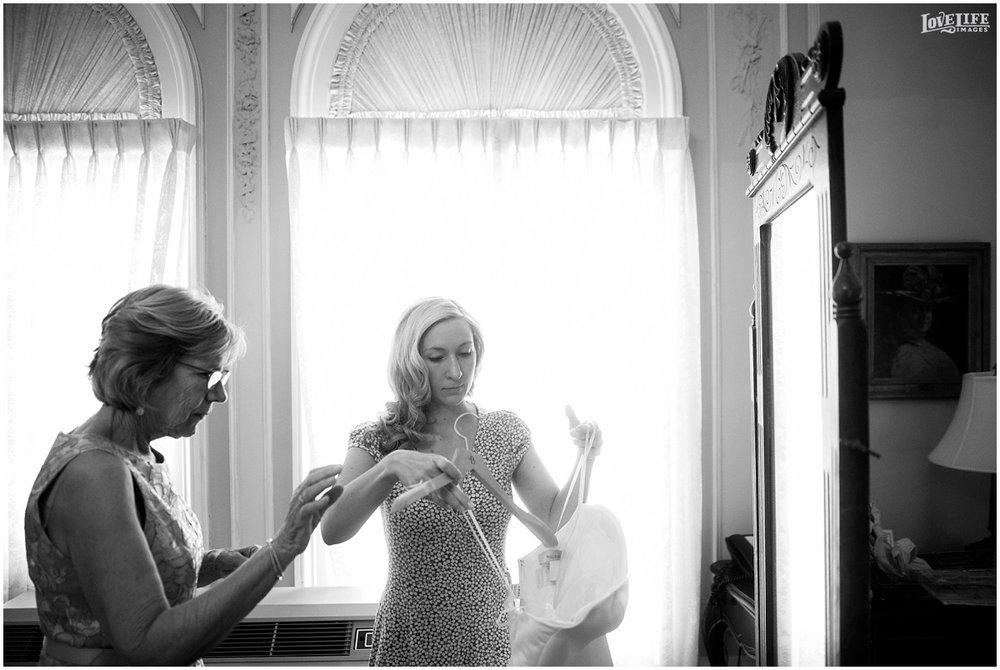 Cosmos Club DC Wedding bride getting ready.jpg