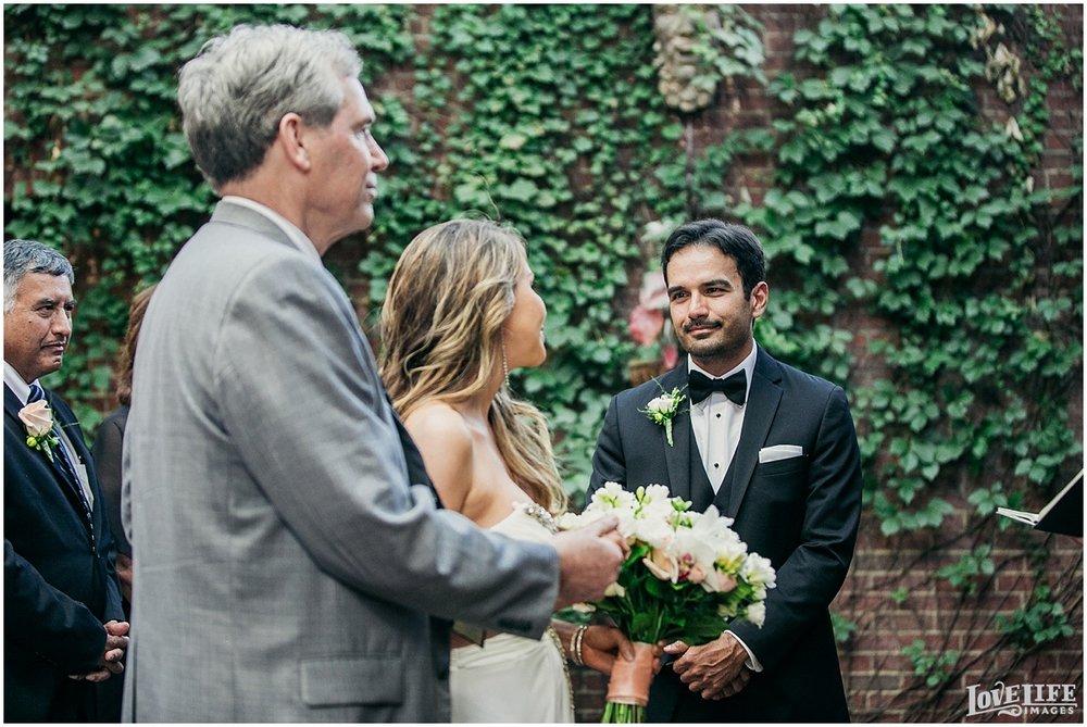 Tabard Inn DC Wedding_0003.jpg