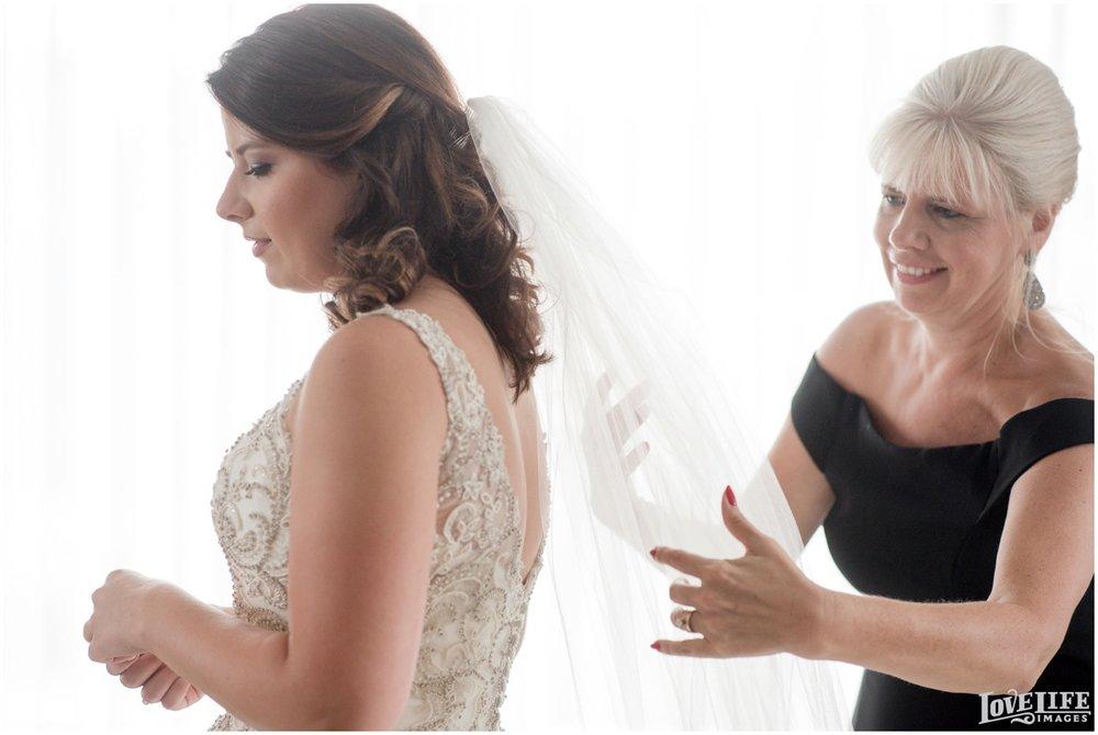 Belvedere Baltimore Wedding bride with veil.jpg