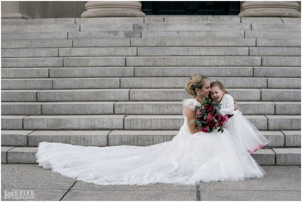 Baltimore Museum of Art Wedding bride with daughter.jpg