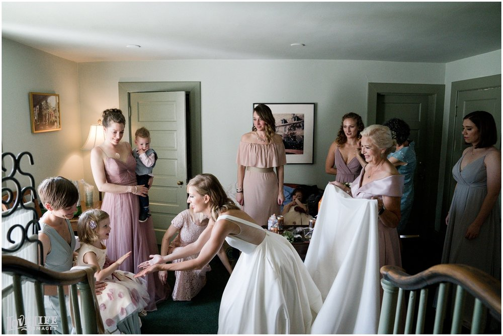 River Farm Wedding bridal party getting ready.jpg