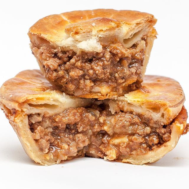 It's #MeatPieMonday ....get in to any three of our locations and get your Traditional Aussie pie 15% off. The frozen pies are on sale too!! #torontoeats #thesix #foodinthesix #torontofoodie #blogto #toronto #kangaloyalty #vipiestatus #kangafam