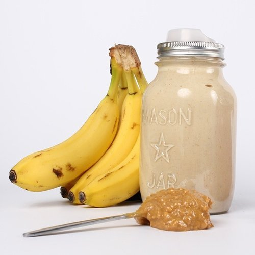 With+@cuppow+your+smoothies+go+mobile!+This+one's+got+bananas,+peanut+butter,+almond+milk,+and+a+few+dates+to+sweeten+it+up!+#smoothie+#masonjar.jpg