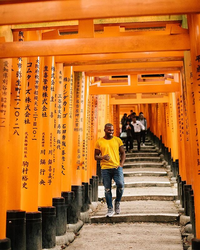 Counting all my blessings through these 10,000 Torii gates at the Fushimi Inari-Taisha shrine in Kyoto. ⛩🇯🇵⛩ #TravelTuesday 📸: @jefro5