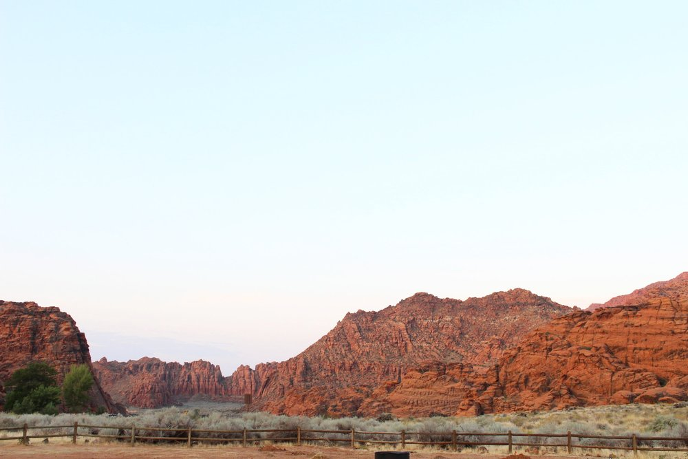 Red_Rocks_Snow_Canyon