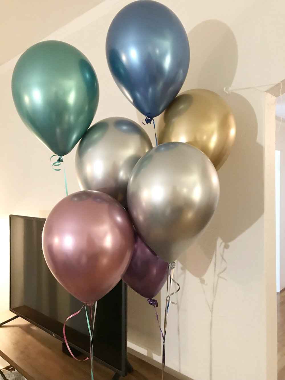 I loved how pretty the Chrome balloons turned out.