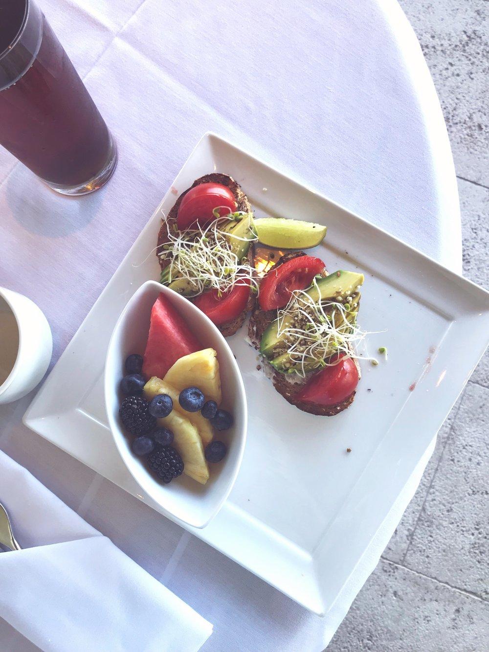 Hotel_Wailea_Avo_Toast