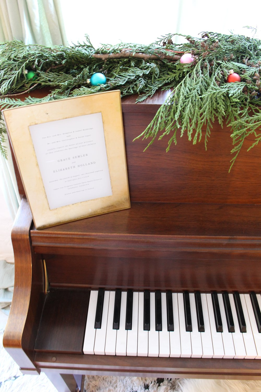 Piano_Christmas_Detail