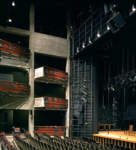 a_roda_theatre.jpg