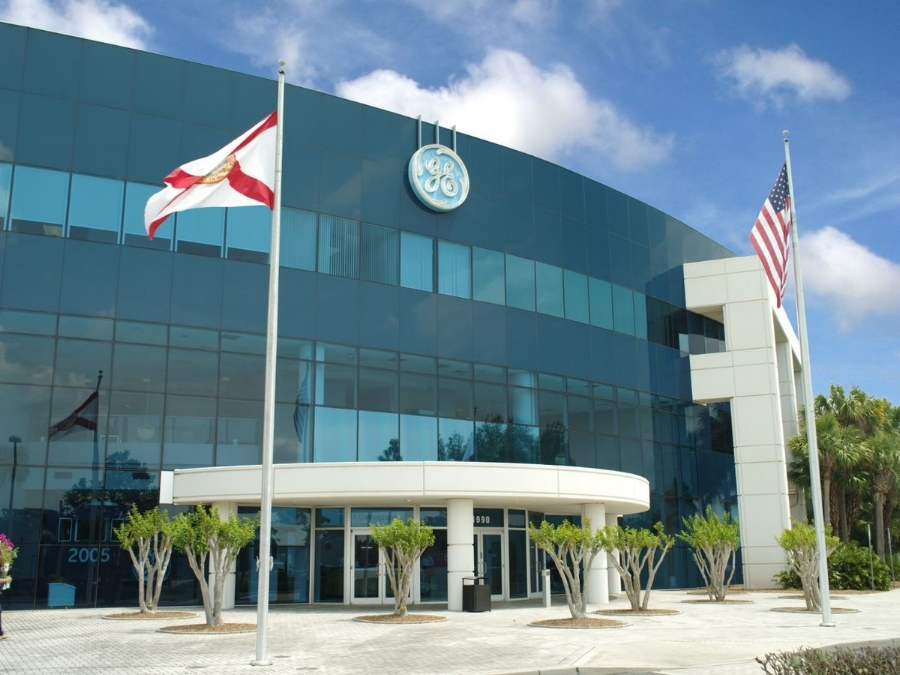 GE TRANSPORTATION BUILDING  |  1990 West NASA Boulevard, Melbourne, Florida