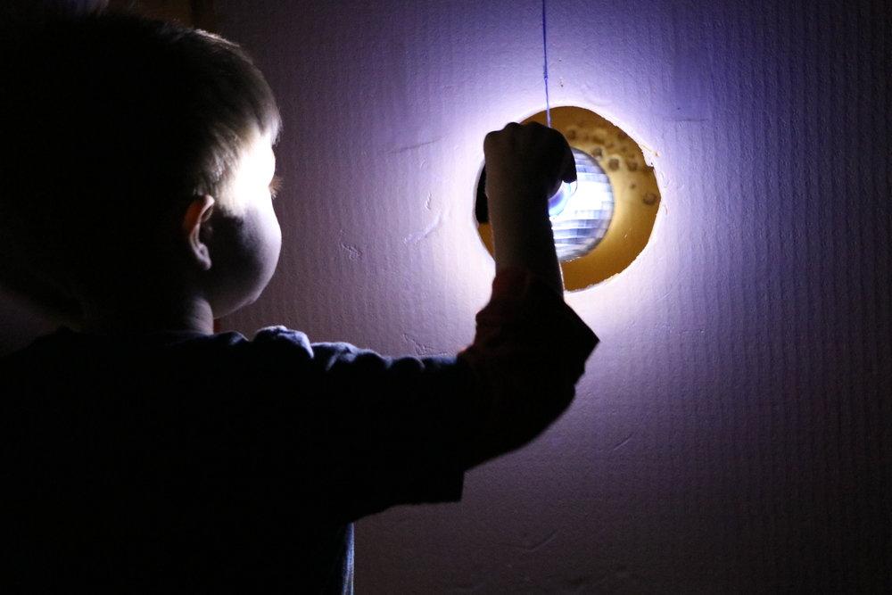 Ästhetische Forschung in Kitas Projekt PRIMA Kita - Licht und Schatten