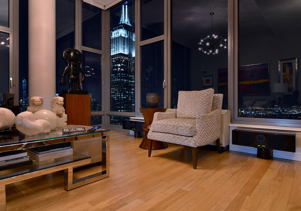 HTOLI+NYC+EmpireStateOfMind+LivingRm-315-01.jpg