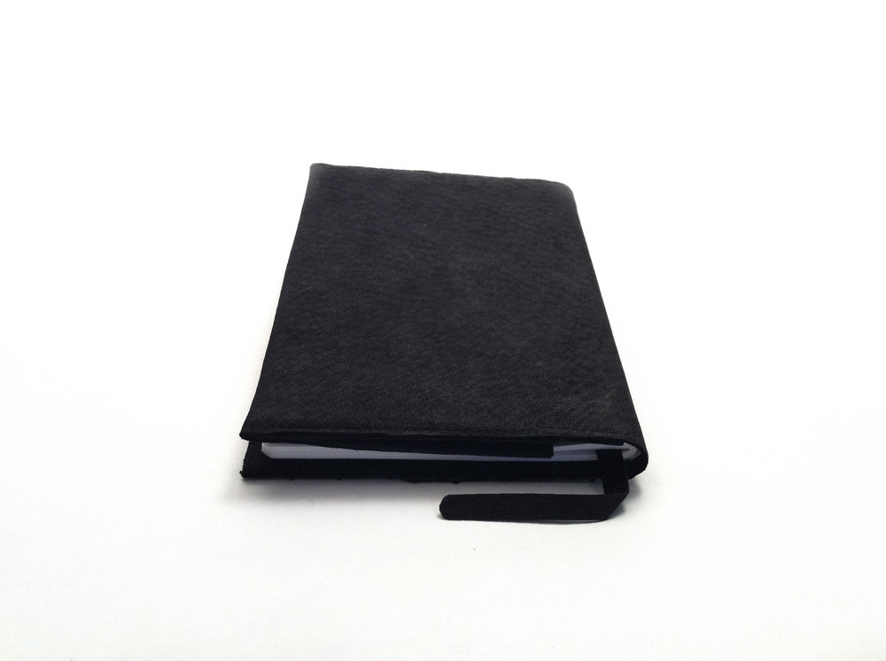 HYD - Notebook Black Salmon Back