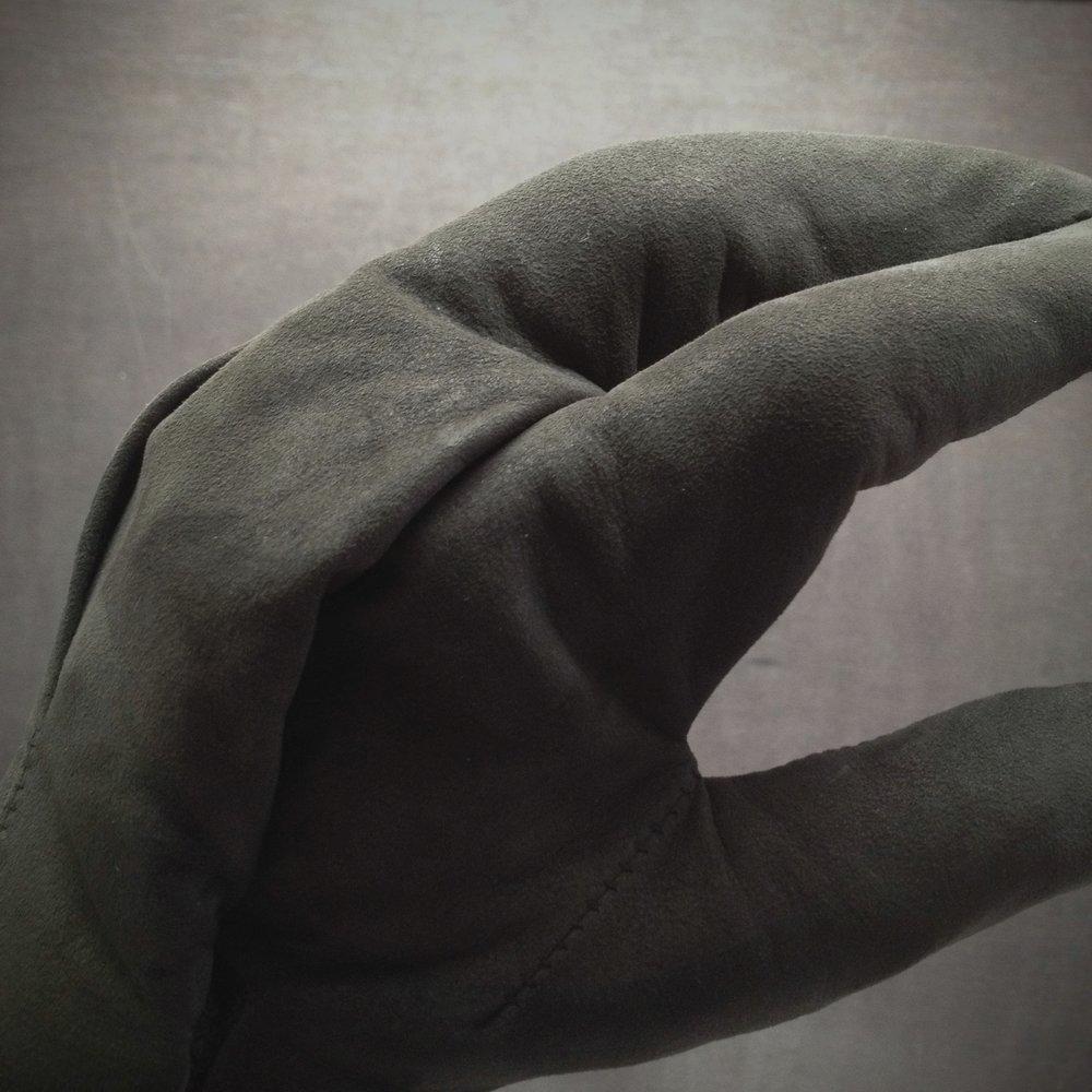 The Survivalist #5 Airflow Glove - Detail 4.jpg