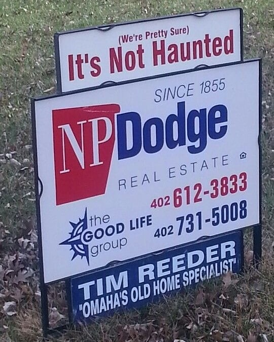 (Pretty sure) Its not haunted! 🤣🤣🤣 We want to become besties with this realtor. #podcast #paranormal #sandiego #weirdosandwine #weird