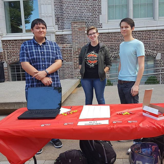 Representing NJIT SIGGRAPH at the Club Fair! #njitsiggraph #events #somanynewsignups #heresabusinesscard #goldstars