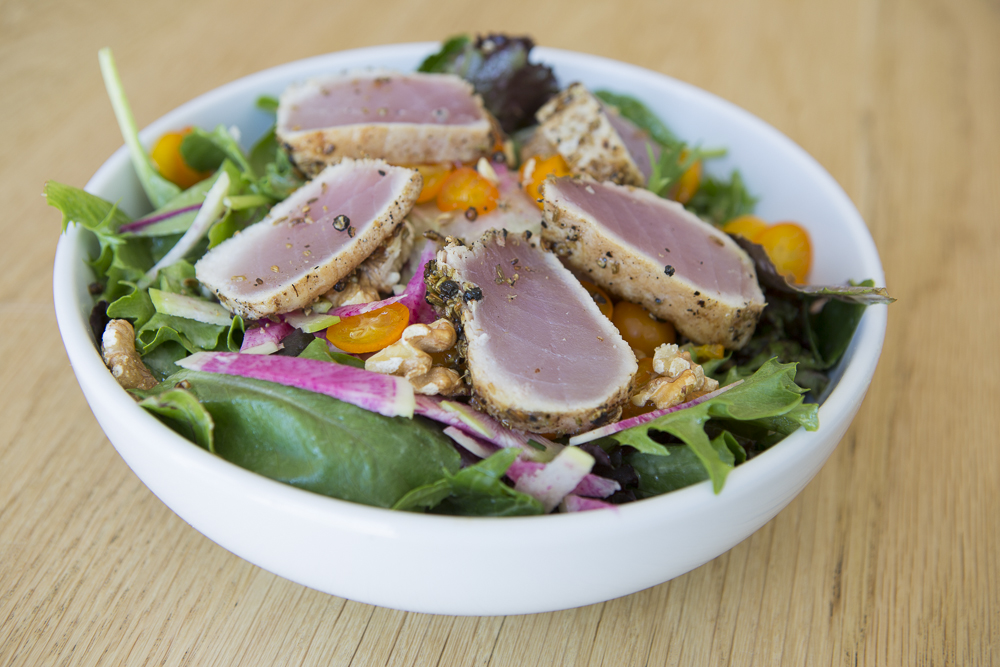 fundamental-seared_ahi_salad.jpg
