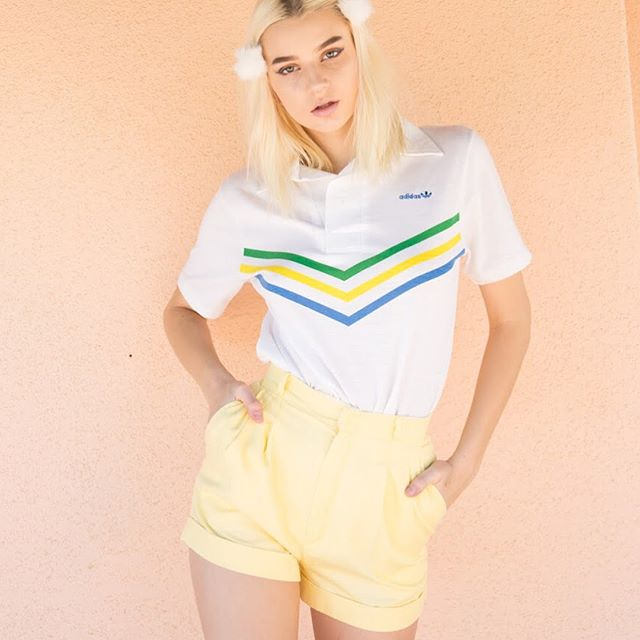 🍡Dying over this #vintage #adidas polo and #vintage tennis shorts🍡