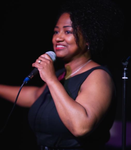 Denise at The Bear in September 2018; Photo Martin Behring.