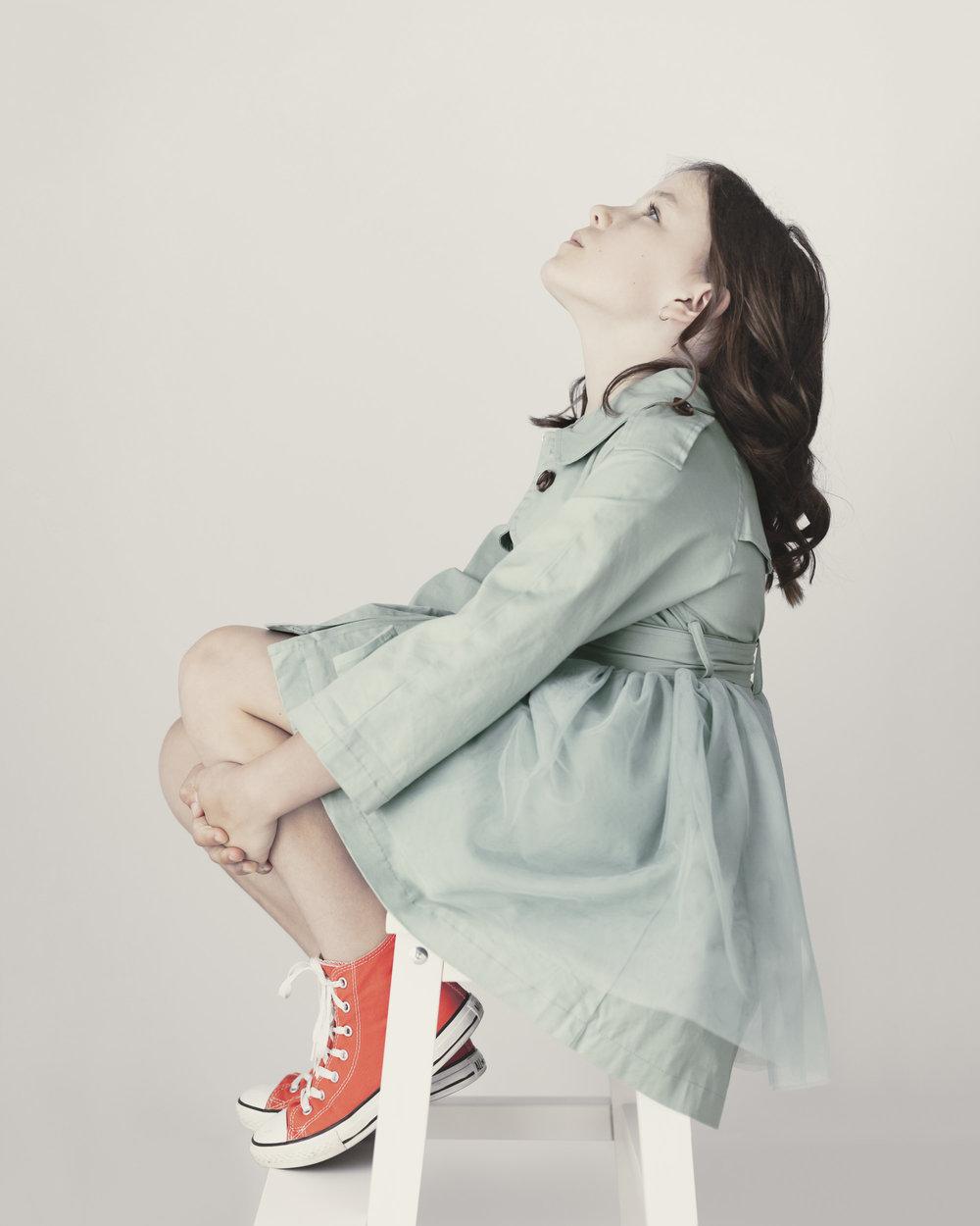 marina-mcdonald-child-portrait-photography-portfolio-canberra-child-looking-up