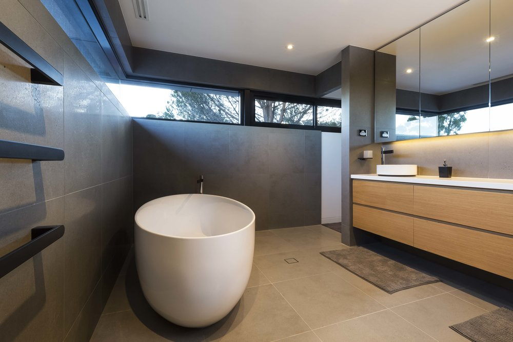 marina-mcdonald-architectural-photography-canberra-adam-hobill-bathroom-bath