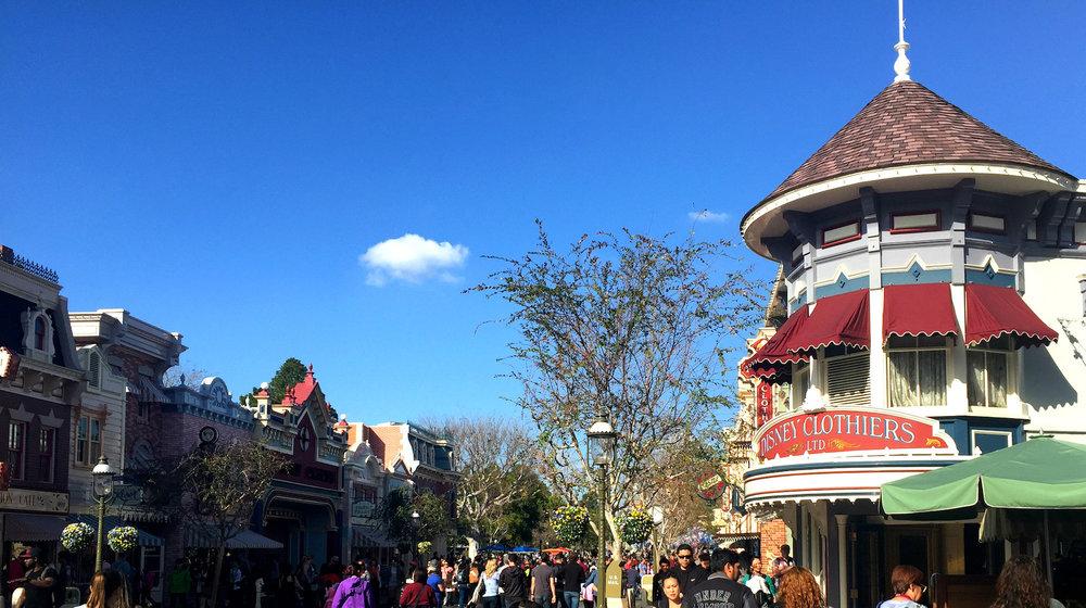 solotravel_fullairytales_California_Disneyland