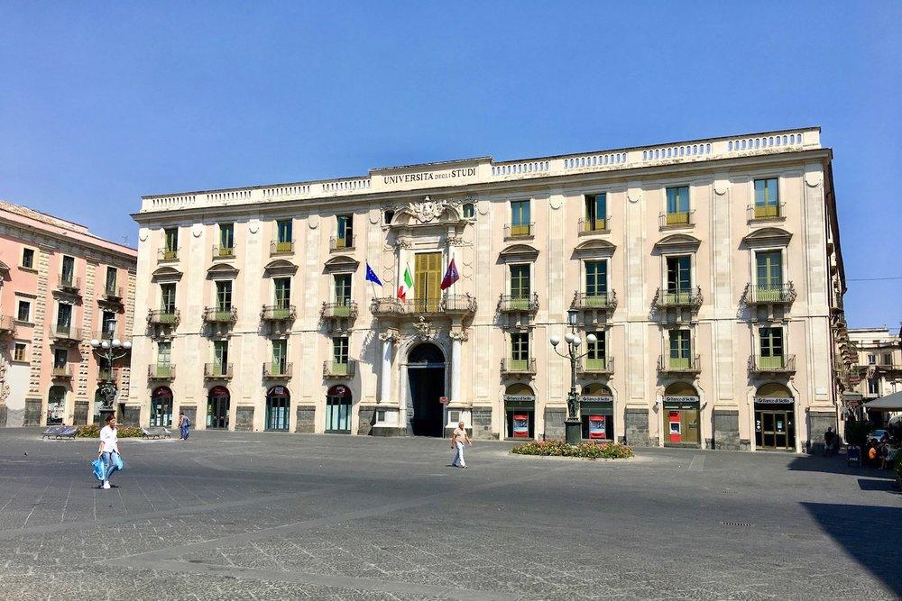 Catania_lifeoffairytales_04.jpg