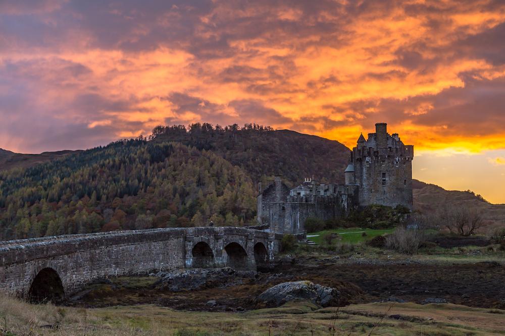 Eilean Donan Castle at Sunset, Dornie, Kyle of Lochalsh, Scotland.jpg