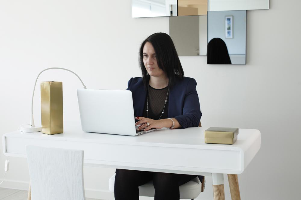 Femme-bureau-01.jpg