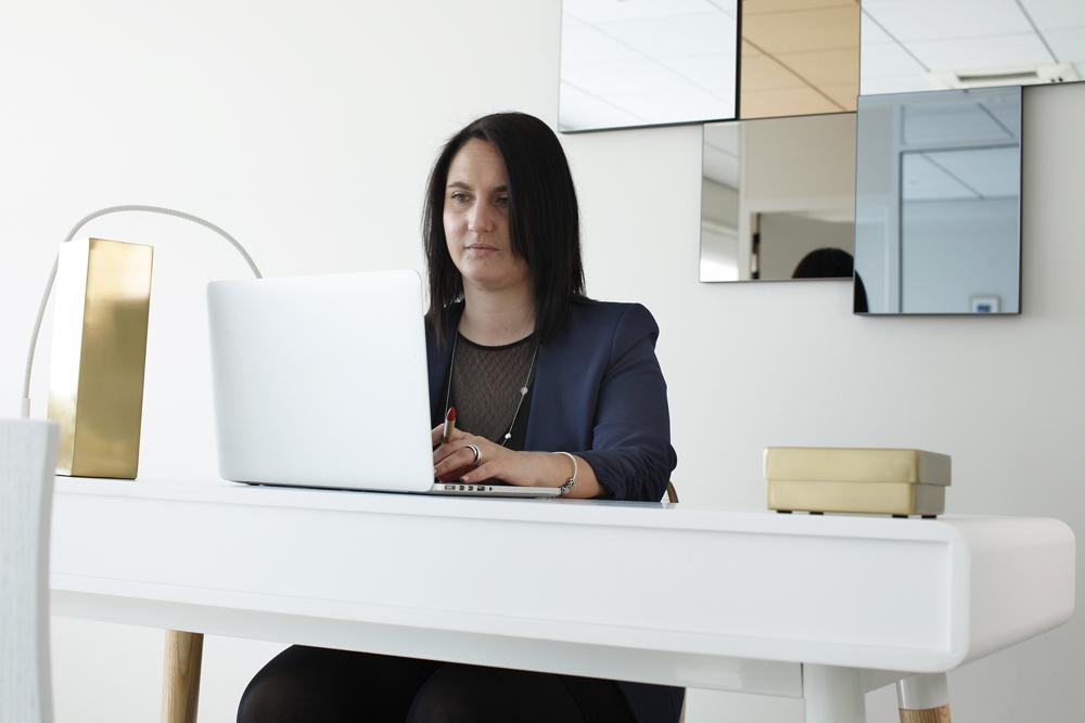 Femme-bureau-03.jpg