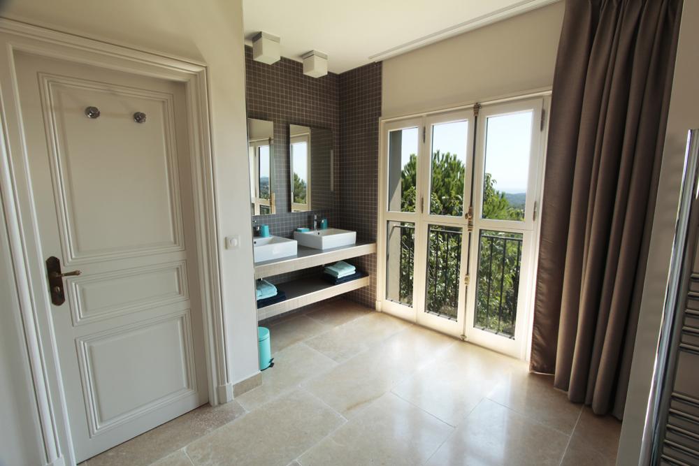 Salle de bain Chambre haut 1.1.jpg